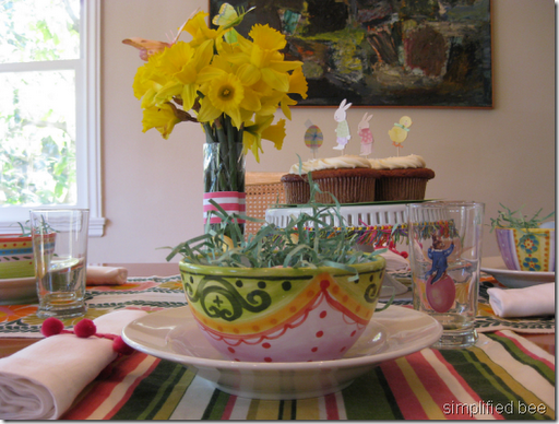 Cheery Easter Brunch table setting ideas