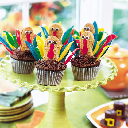 Thanksgiving Decorating Ideas For The Kids Table Simplified Bee - Cupcakes for thanksgiving decorating ideas