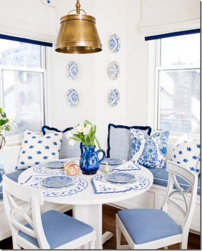 blue-and-white-kitchen-banquette-noo
