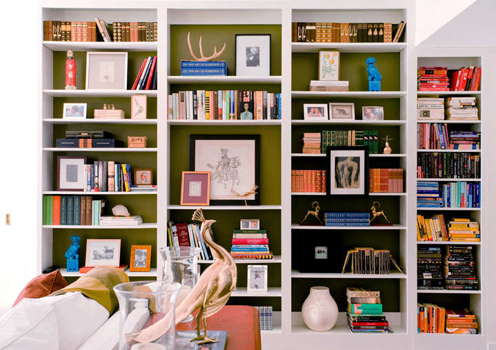 tips for styling a bookcase like an interior designer simplified bee