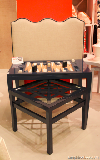 chic_laquer_game_table