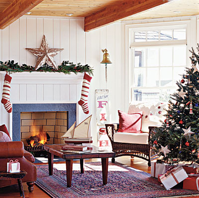 holiday decor ideas for decorating the mantel for. Black Bedroom Furniture Sets. Home Design Ideas