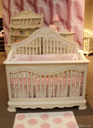 girls_spindle_crib_white