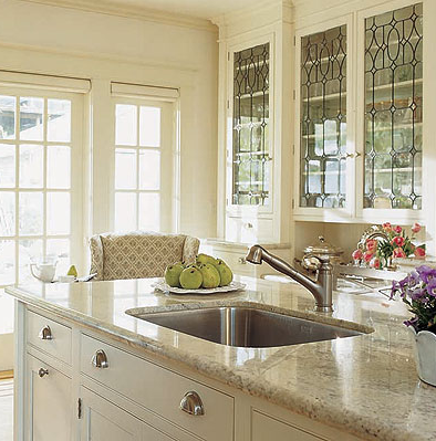 designer kitchens: glass-front cabinets - simplified bee