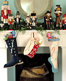 christmas decorating with nutcrackers