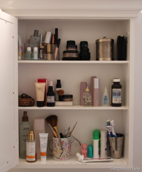 Organized, Functional Style: Medicine Cabinet - Simplified Bee