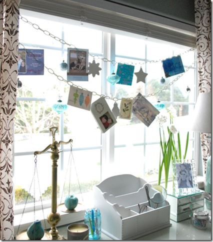 window holiday card display idea