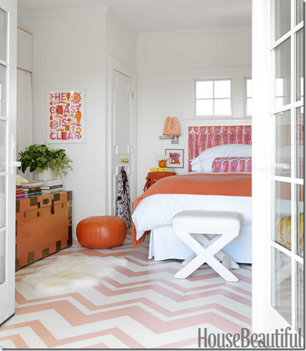 zig-zag_painted_floor_pink_orange_bedroom