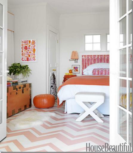 zig-zag_painted_floor_pink_orange_bedroom