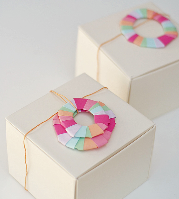 diy paper wreath gift embellishment