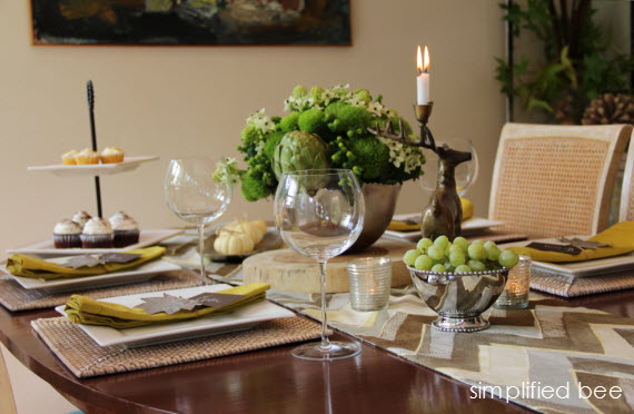 contemporary thanksgiving tablescape