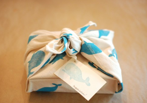 hand blocked gift wrap diy