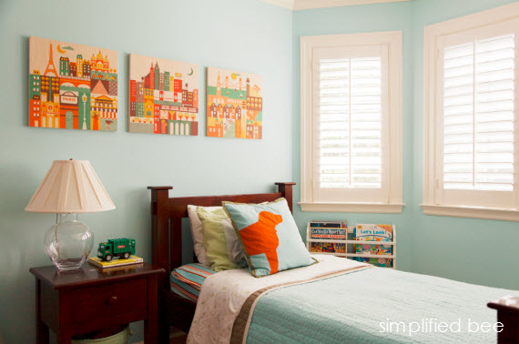 traditional boys bedroom in blue // Simplified Bee