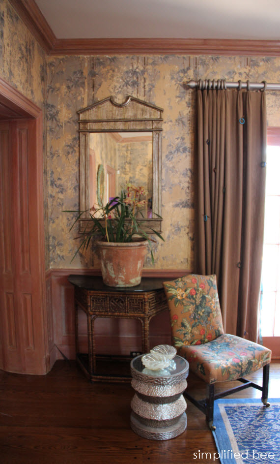 Chic Chinoiserie Foyer