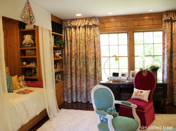 equestrian teen girl's bedroom