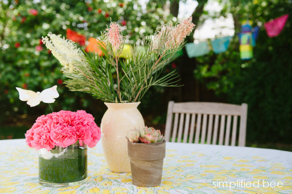 outdoor table setting - fiesta party ideas