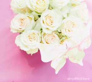 roses and hot pink table cloth - fiesta ideas