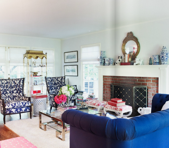 blue and white chinoiserie living room