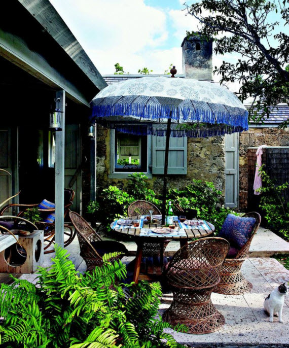 Tom Scheerer Decorates - patio with blue umbrella