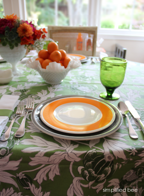green and orange tablescape - simplifiedbee.com