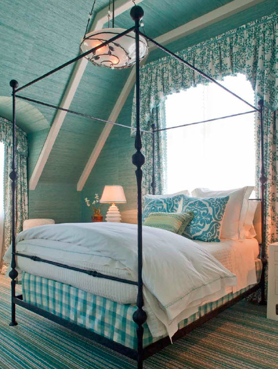 aqua-colored grasscloth wallcovering - bedroom - Suzanne Tucker