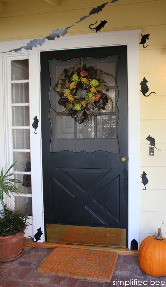 halloween front porch - simplified bee