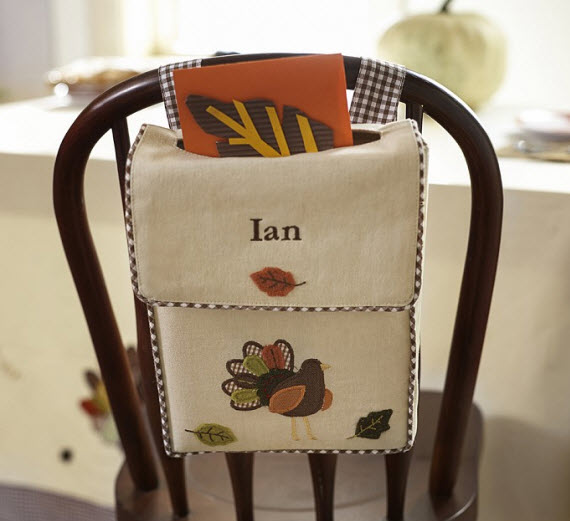 Thanksgiving kids table - thank you note idea