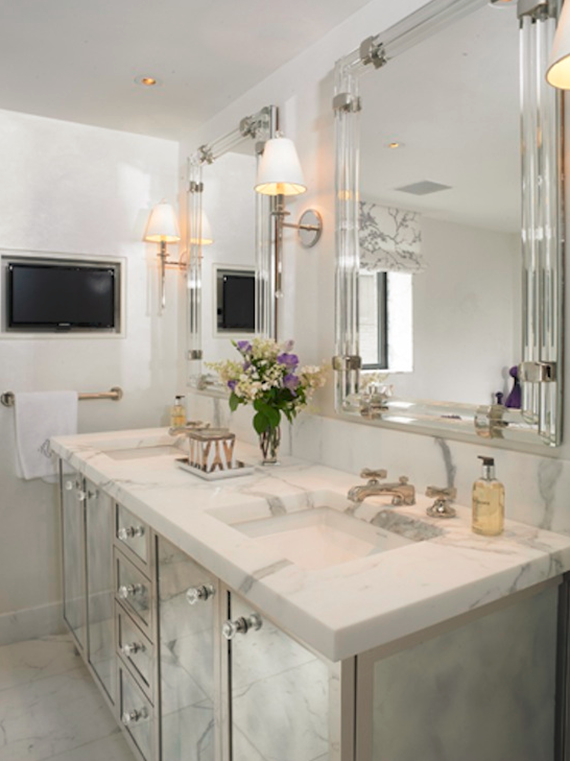 Amazing Mirrored Bathroom Vanity