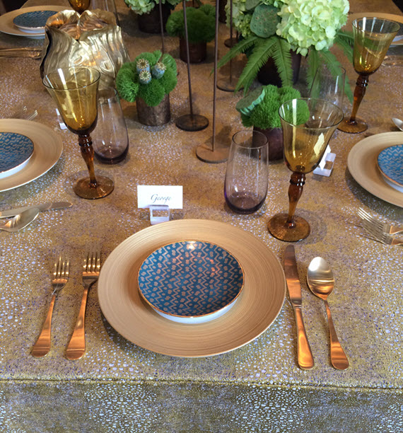 gold-dining-room-table-setting