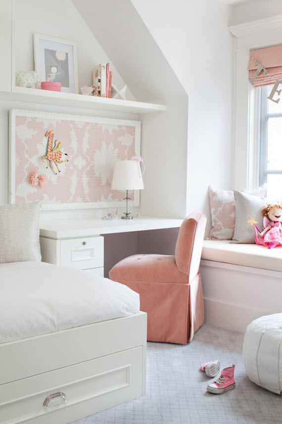 girls bedroom // soft pink accents