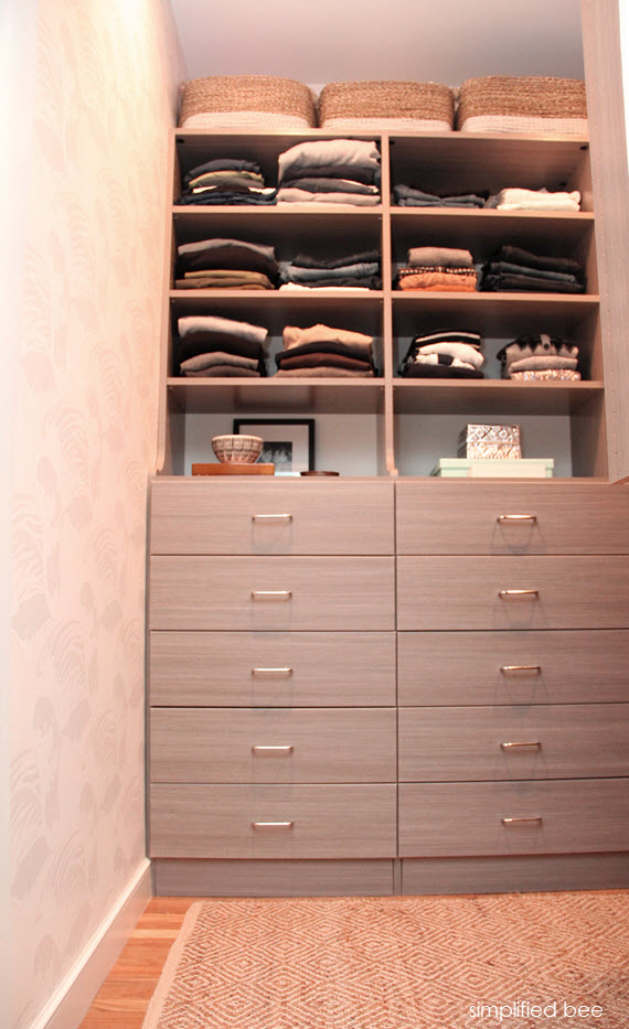 gray walk-in closet design // simplifiedbee.com