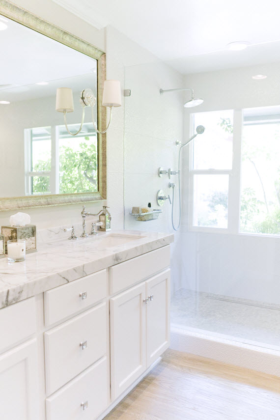 white marble bathroom // Ohara Davies-Gaetano #bathrooms