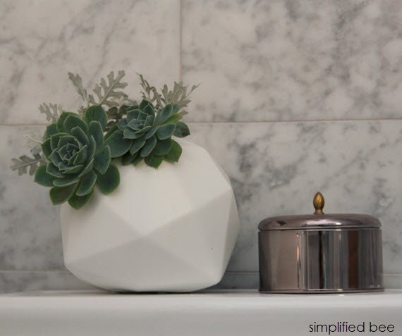 bathroom styling // succulents and candle // simplified bee