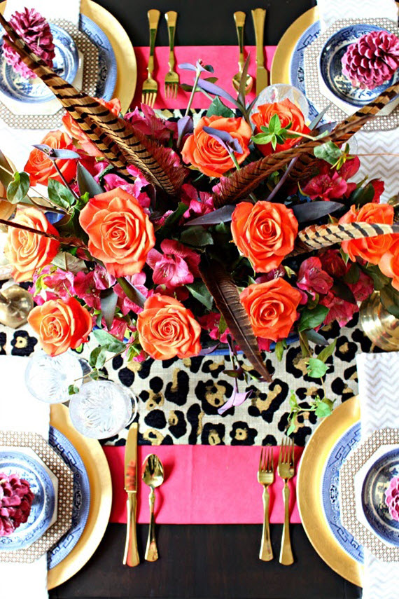 bright colorful Thanksgiving table setting #thanksgiving