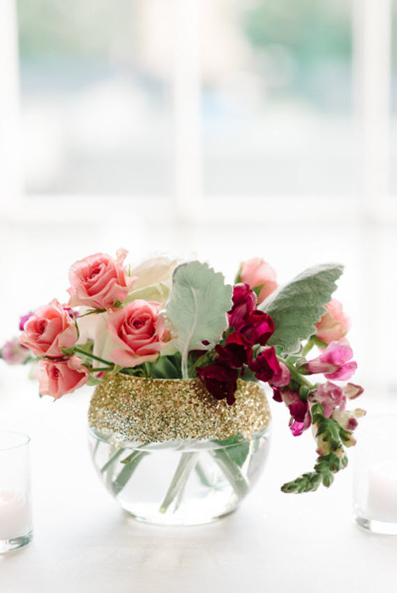 DIY glitter vase // pink roses // Valentine's Day craft