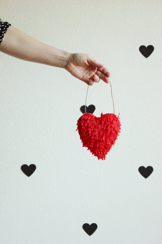 DIY fringed heart // Valentine's Day craft