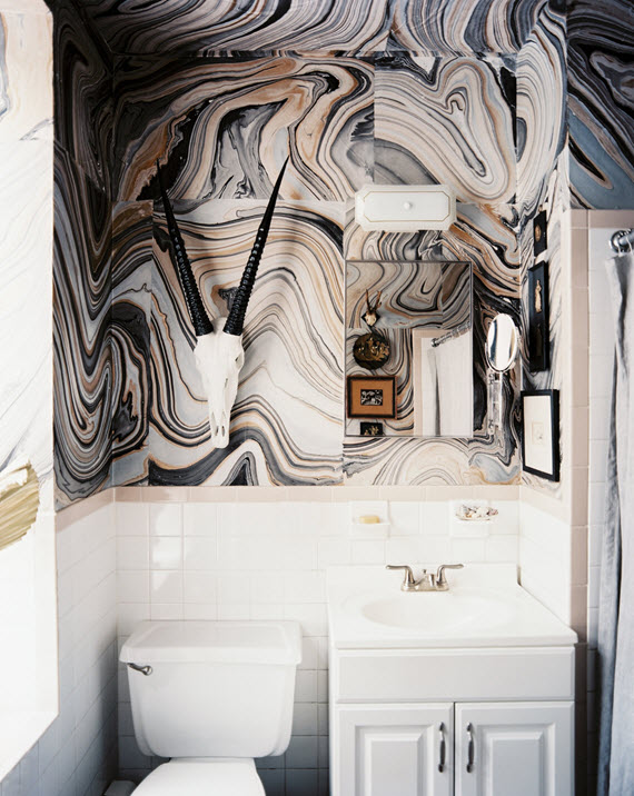 marbleized wallpaper // bathroom