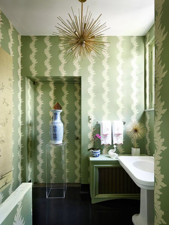 green wallpaper // bathroom // shelley johnstone