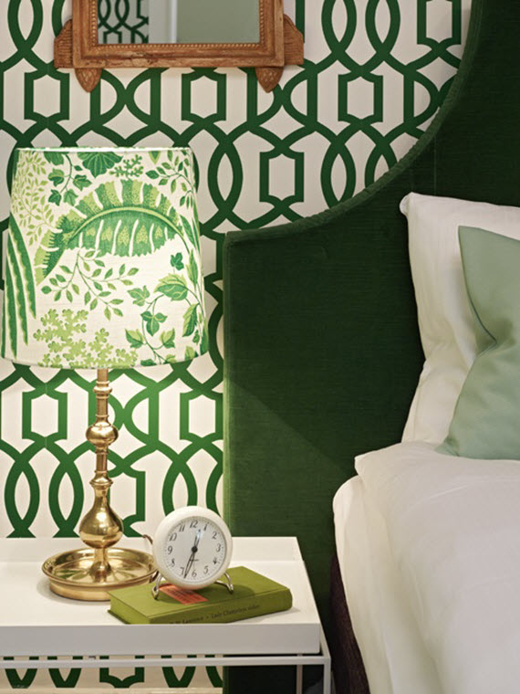 green trellis wallpaper // bedroom