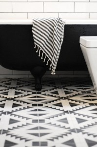 black & white southwest modern tile floor // bathroom