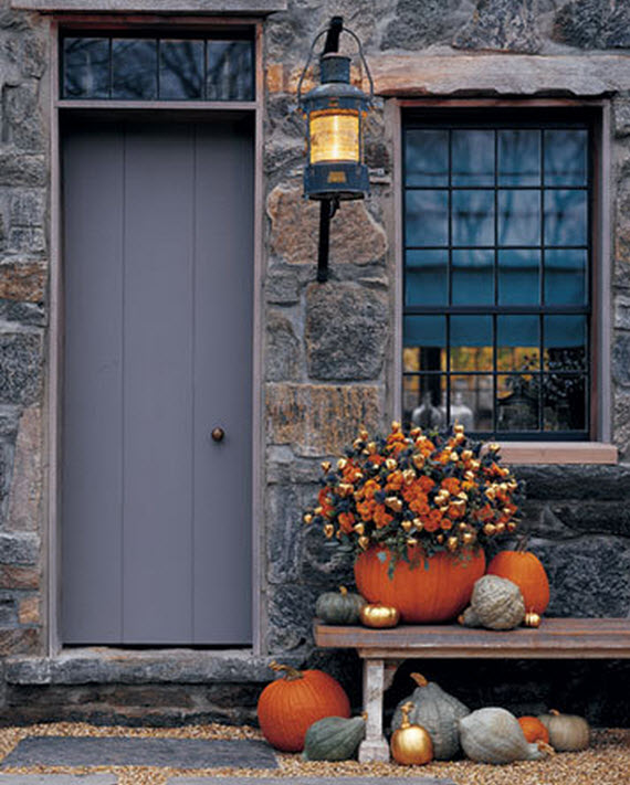 Fall Front Door: Fall Front Door Ideas // Via Www.simplifiedbee.com