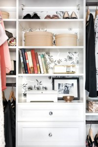 walk-in closet design // vanessa francis design // via @simplifiedbee