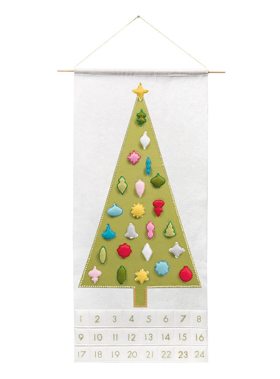 modern christmas advent calendar // via @simplifiedbee