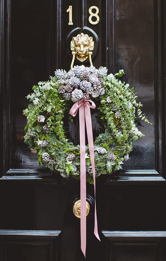 holiday wreath // black front door