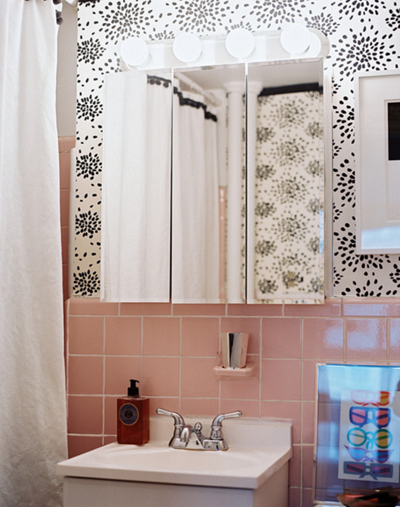 retro pink tile // bathroom