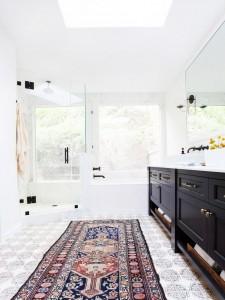 tribal rugs // bathroom // amber interiors