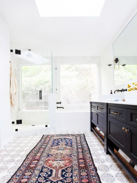 tribal rugs // bathroom // amber interiors