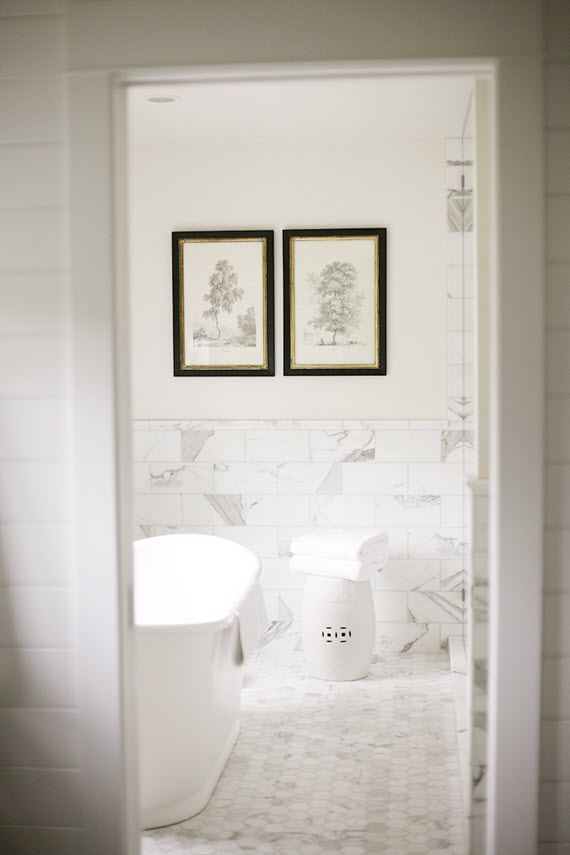 marble bathroom // H2 Design + Build