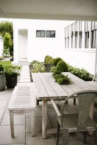outdoor living area // H2 Design + Build