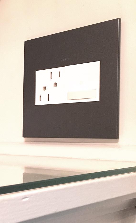 adorne bronze wall plate // master closet // @simplifiedbee